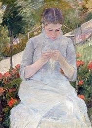 Young Girl Sewing in a Garden | Cassatt | Gemälde Reproduktion